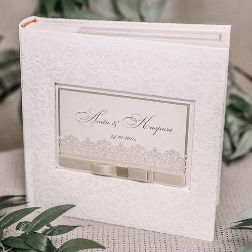 pocket photo album with laser cut card, 22x22 cm, 200 photos