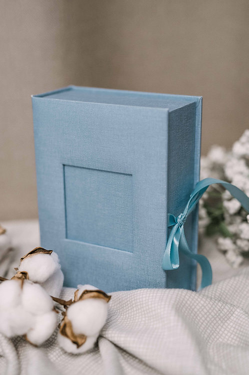 Blue baby keepsake box with place for 12 photos sized 4x6
