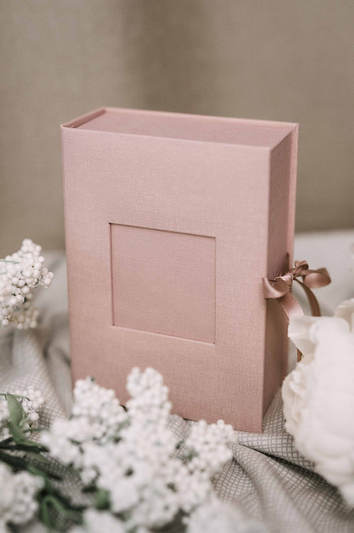 Pink baby keepsake box with place for 12 photos sized 4x6