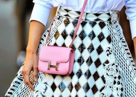 Mini bolsa: a trend que prova que menos é mais