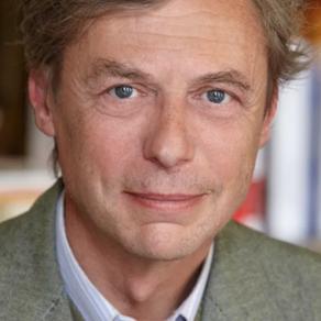 Emmanuel de Waresquiel : La foi nous donne la bienveillance, la confiance, la courtoisie...