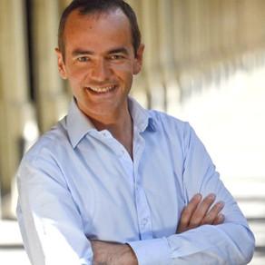 Franck Ferrand : Nous avons tous en nous l'étincelle de l'espoir