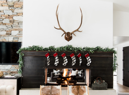 CHRISTMAS IS COMING: Modern Holiday Mantels