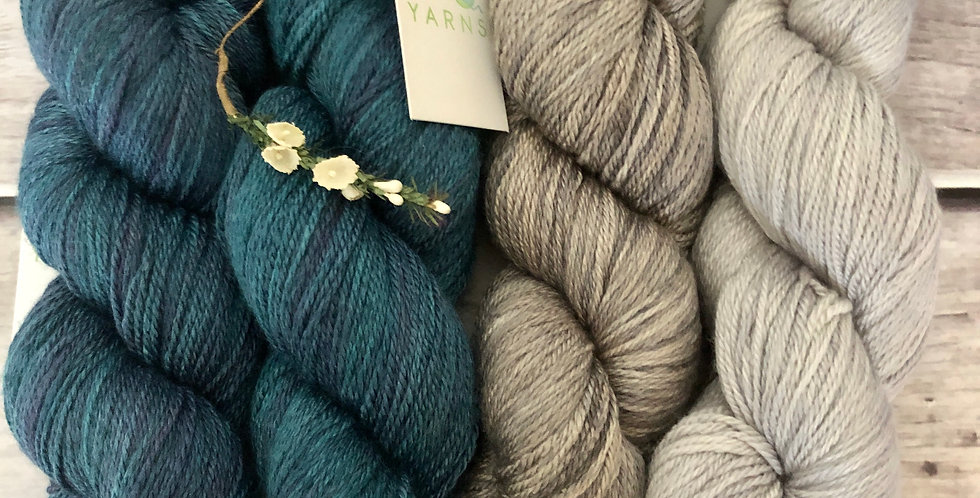 Lake Side Oysters - 4 ply silk and merino - White Cloud