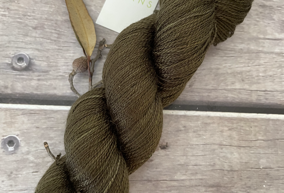 Banksia Dark on Ginseng - 3 ply pure silk yarn
