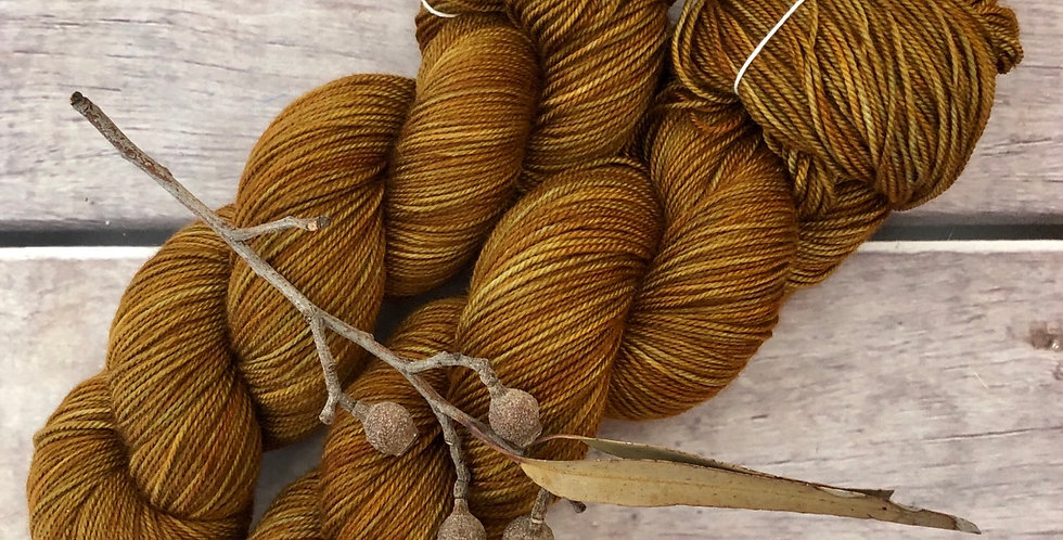 Autumn Leaf - 4 ply silk / merino / cashmere - Assam