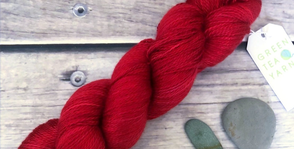 Red Lacquer - 2 ply in Mulberry silk - Pekoe l