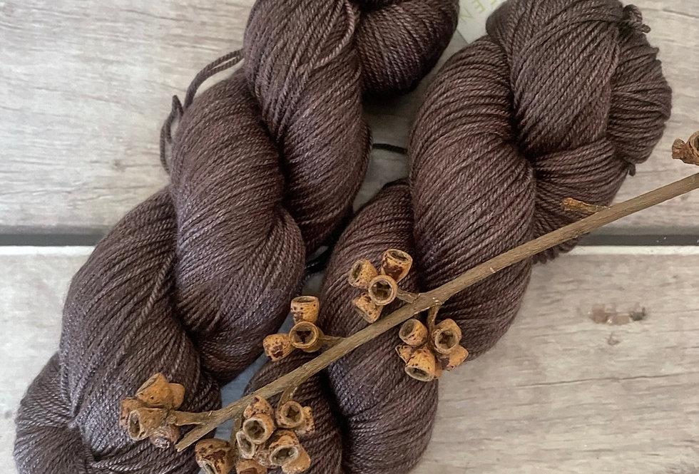 Paperbark - 4 ply silk / merino / cashmere - Assam
