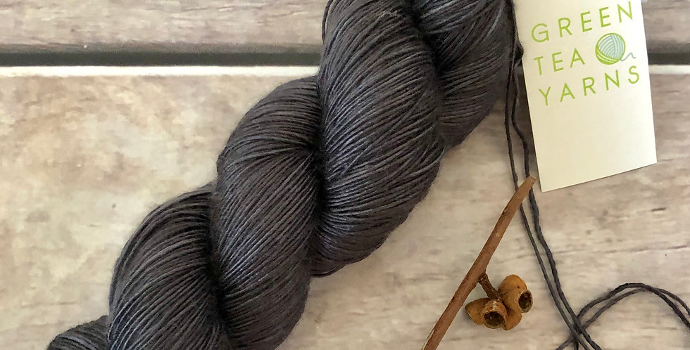 Fallen Ashes - 4 ply mulberry silk singles -Rougui