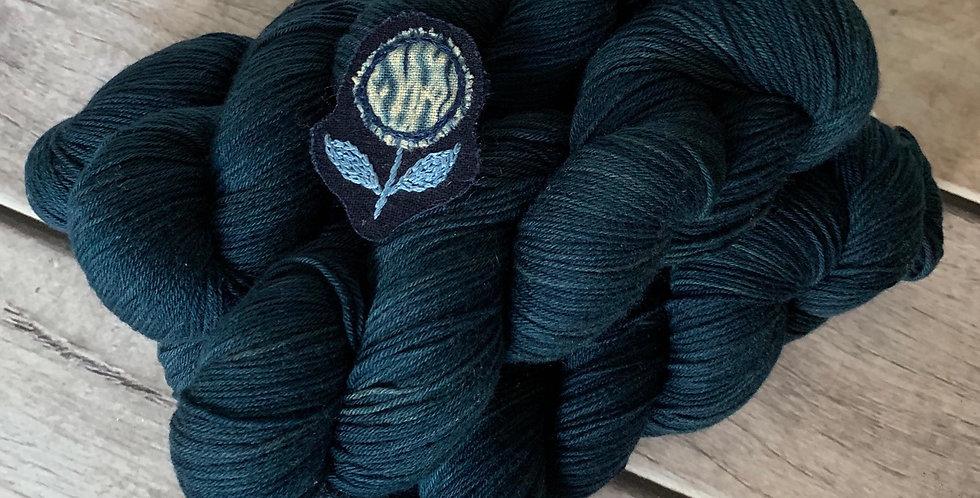 Midnight in Paradise - 4ply sock yarn in merino and nylon - Darjeeling