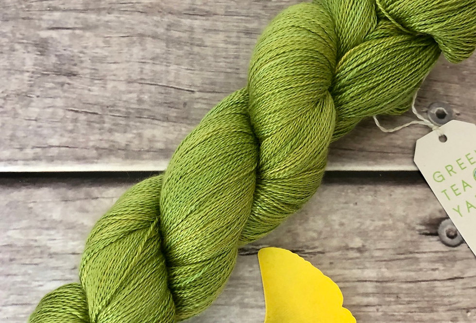 Gingko Leaf - 2 Ply in silk and alpaca - Echinacea