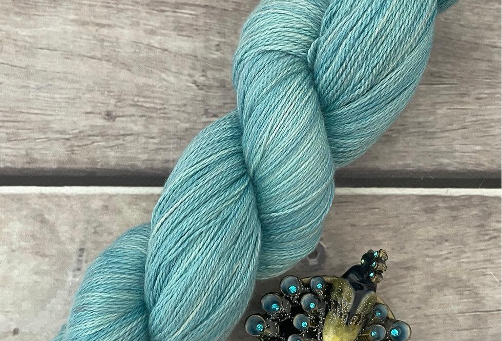 Turquoise Bay - 2 ply in Silk and Merino - Sencha