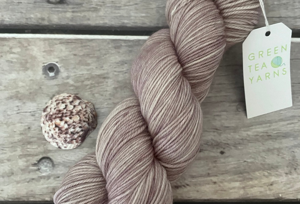 Blush on Bush Sock Yarn - 4 ply