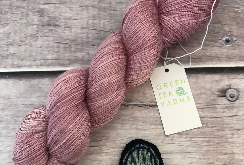 Tea Rose - 2 Ply in silk and alpaca - Echinacea