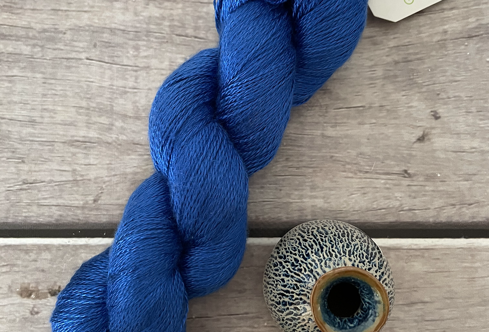 China Blue - 3 ply in Mulberry silk - Pekoe hl