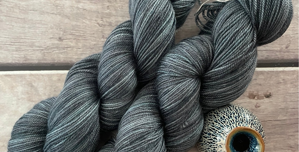 Mokume Gane - 4 ply silk / merino / cashmere - Assam