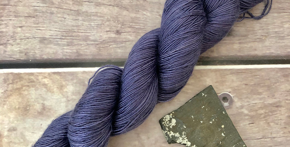 Silent - ooak - 4 ply mulberry silk single -Rougui