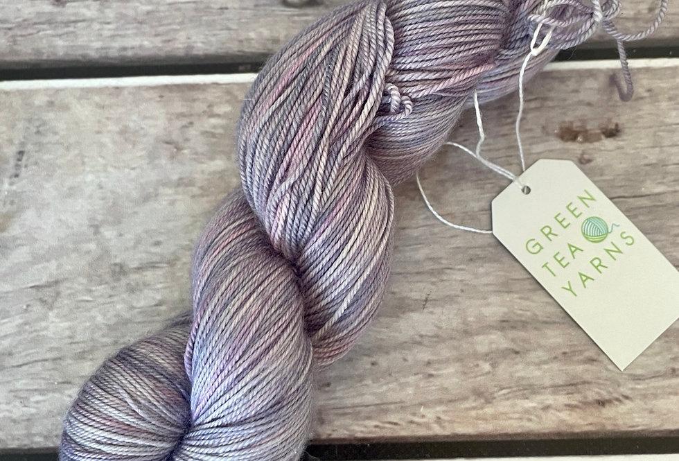 Hyacinth - 4 ply silk / merino / cashmere - Assam
