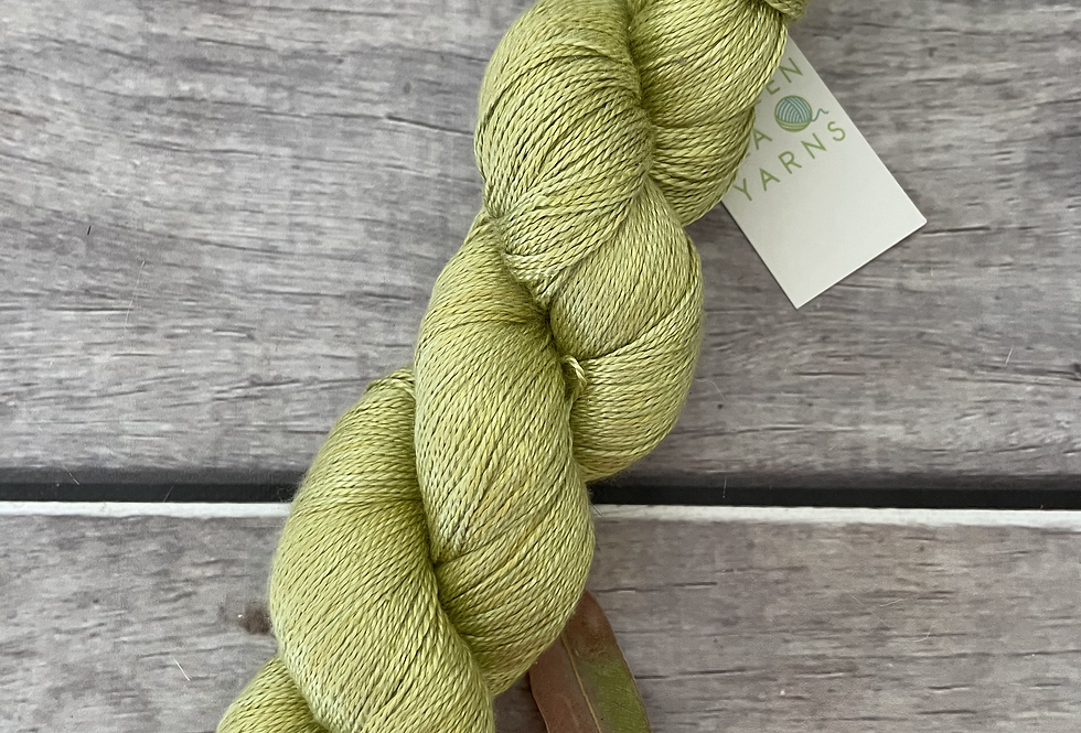 Green of Purest Gold on Ginseng - 3 ply pure silk yarn