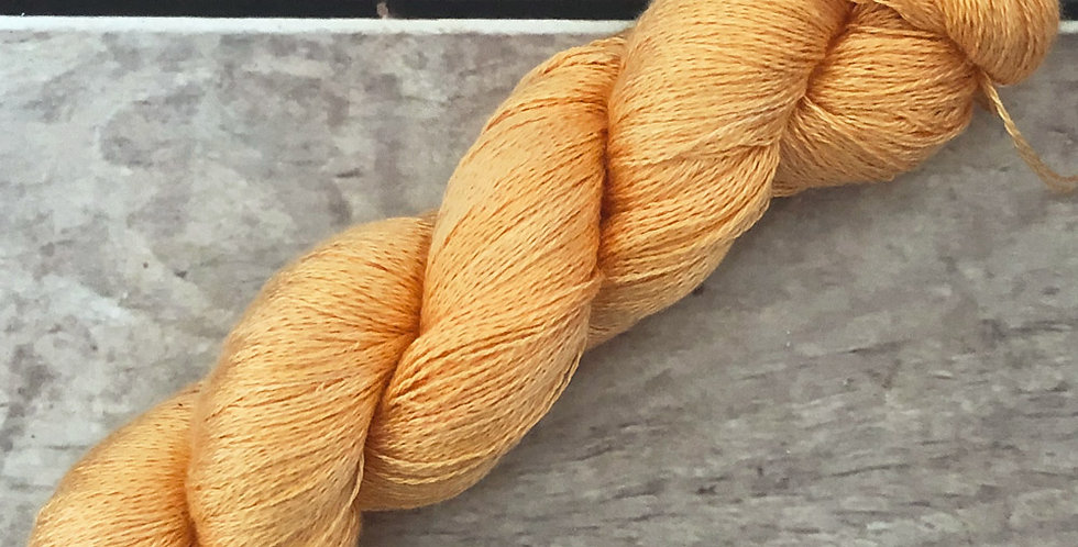 Saffron Gold - 2 ply in Mulberry silk - Pekoe (l)