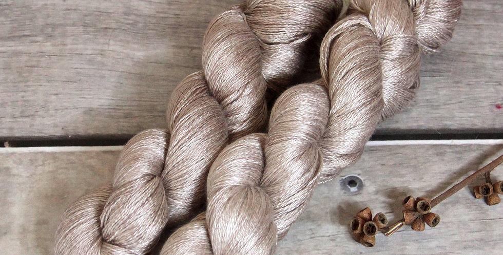 Wild Oats - 2 ply in Mulberry silk - Pekoe (l)