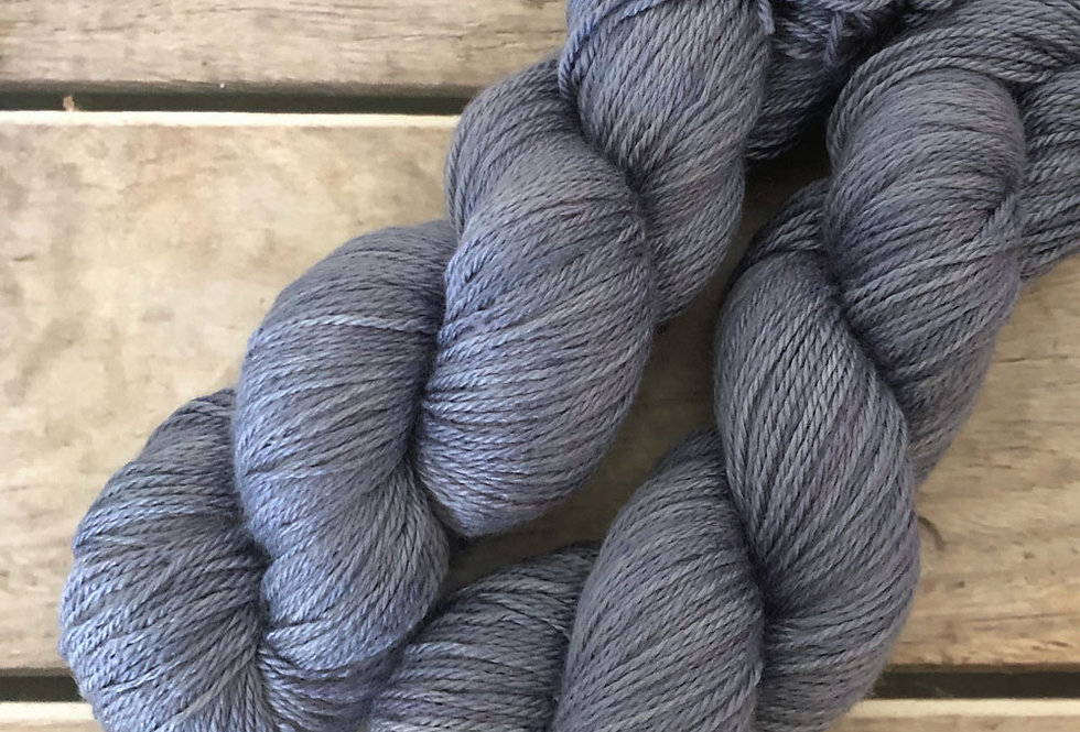Evening Lilac - 4 ply silk and merino - White Cloud