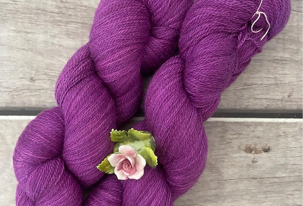 Dragon Fruit - 2 ply in Silk and Merino - Sencha