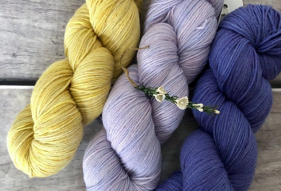 Baby Face - 4ply sock yarn set in merino and nylon - Darjeeli