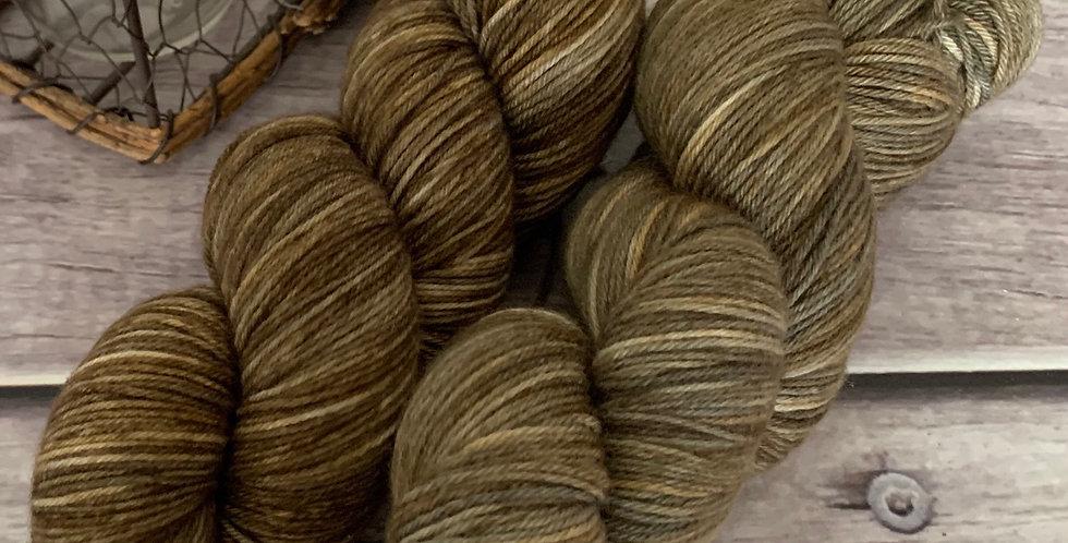 Muddy Path ooak - 4ply sock yarn in merino and nylon - Darjeeling
