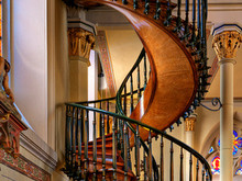 Who Built The Loretto Staircase?..Was it St Joseph?
