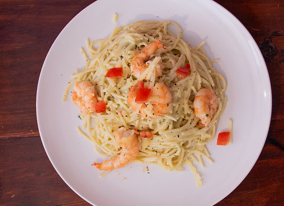 Spaghetti al Pesto  con Camarones (Chef Oscar Alvarado)
