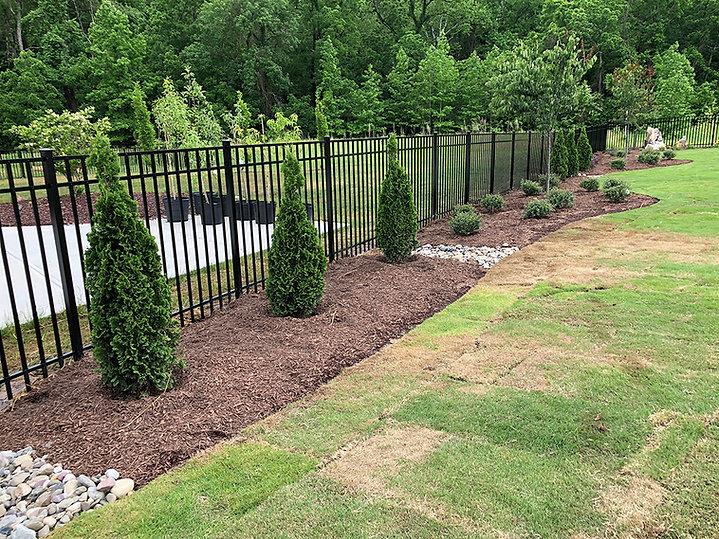 natural-black-aluminum-fence.jpg