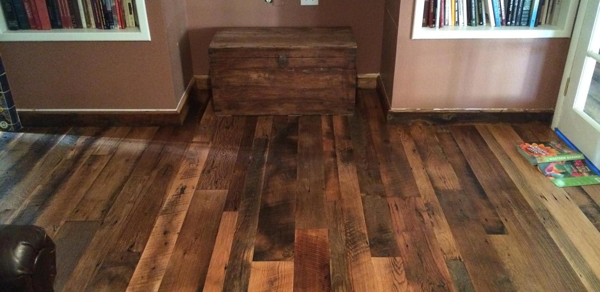 Tobacco Oak PatinaDeep Flooring