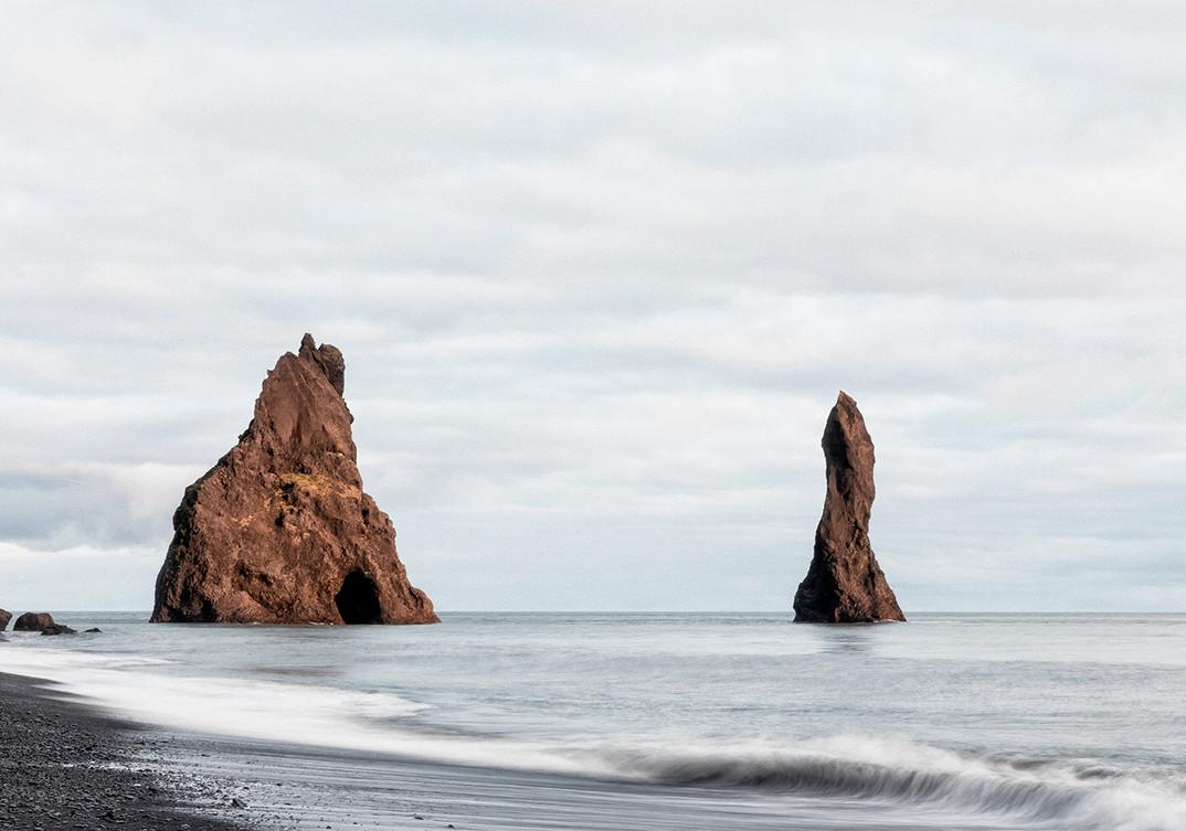 Black Sand Beach Vik 1.jpg