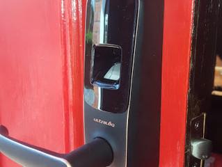 Utec Ultraloq Fingerprint and Touchscreen Lever Door Lock