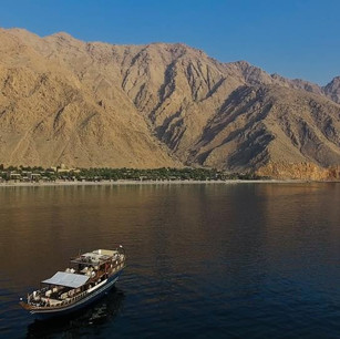 Six Senses Zighy Bay предлагает приватные круизы вдоль побережья Мусандама