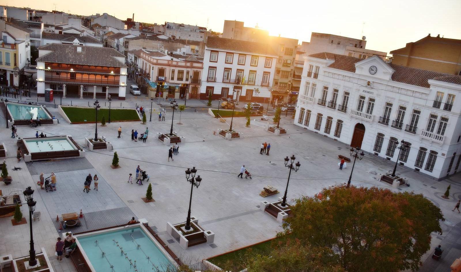 Plaza-de-España-de-Tomelloso-antes-inaug