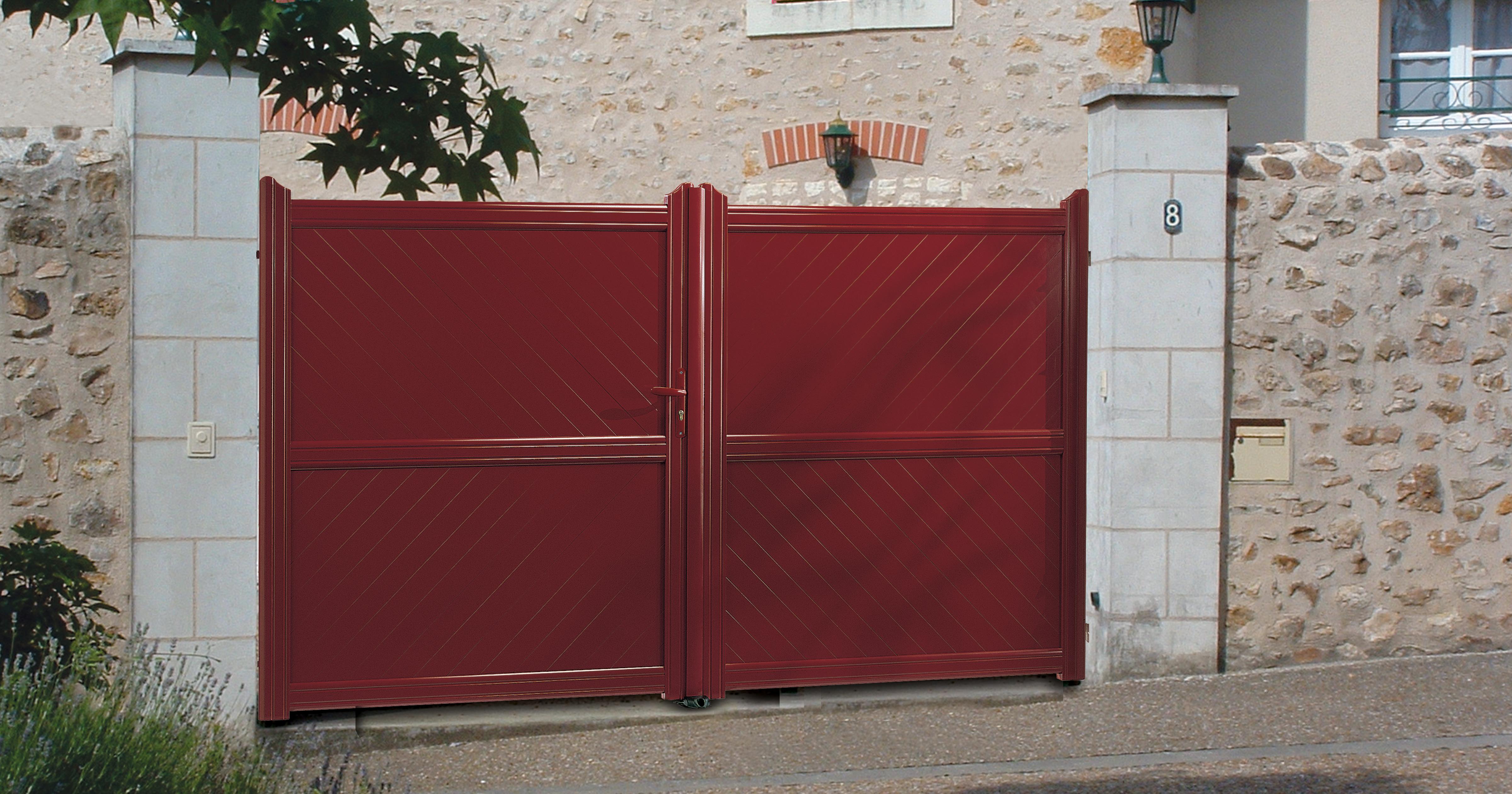 Portail Aluminium rouge
