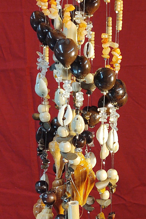 #102  all natural ..clam shell with 17 latiries shells..4.5x23  1lb .2oz