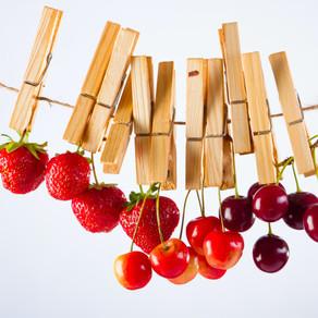 Top 22 Cooling Foods & Herbs (Plus Benefits)