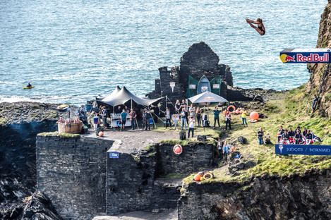 MR_160910_Cliff_Diving_Wales_0017.jpg