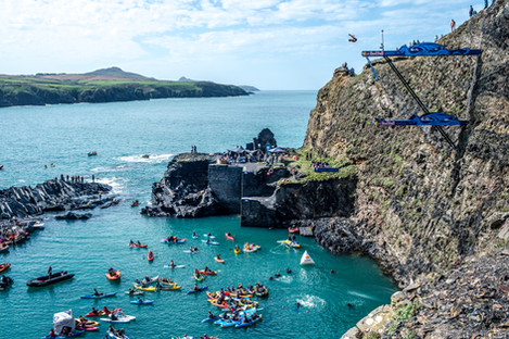 MR_160910_Cliff_Diving_Wales_0006.jpg