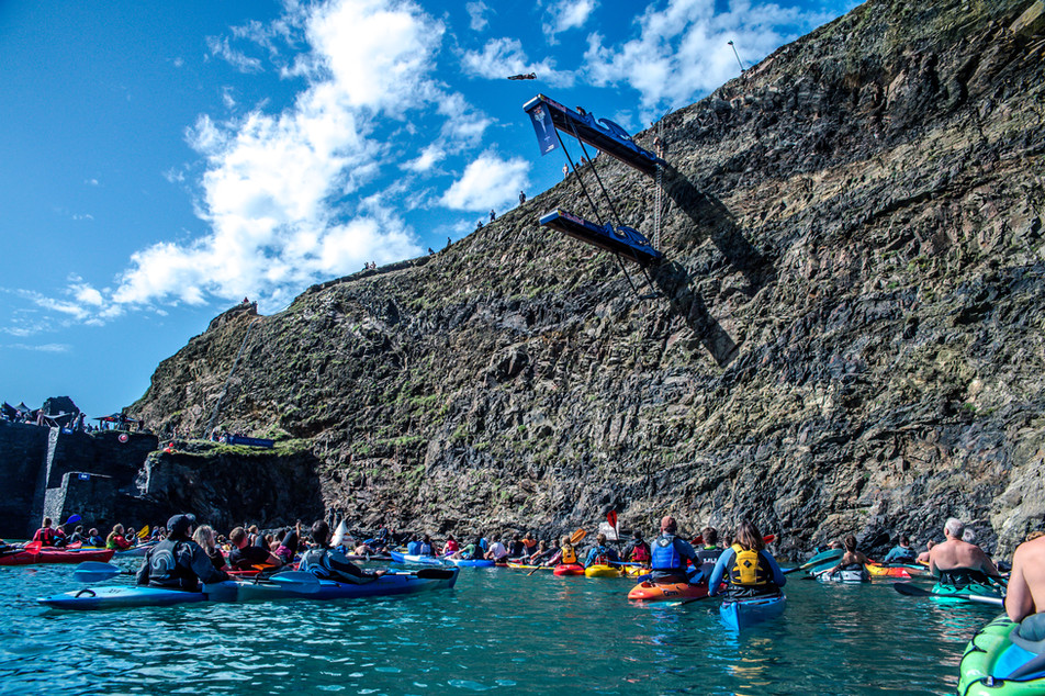 MR_160910_Cliff_Diving_Wales_0021.jpg