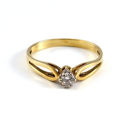 9ct Diamond (0.15)