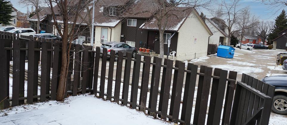 1137 yard editSouth Edmonton Real Estate