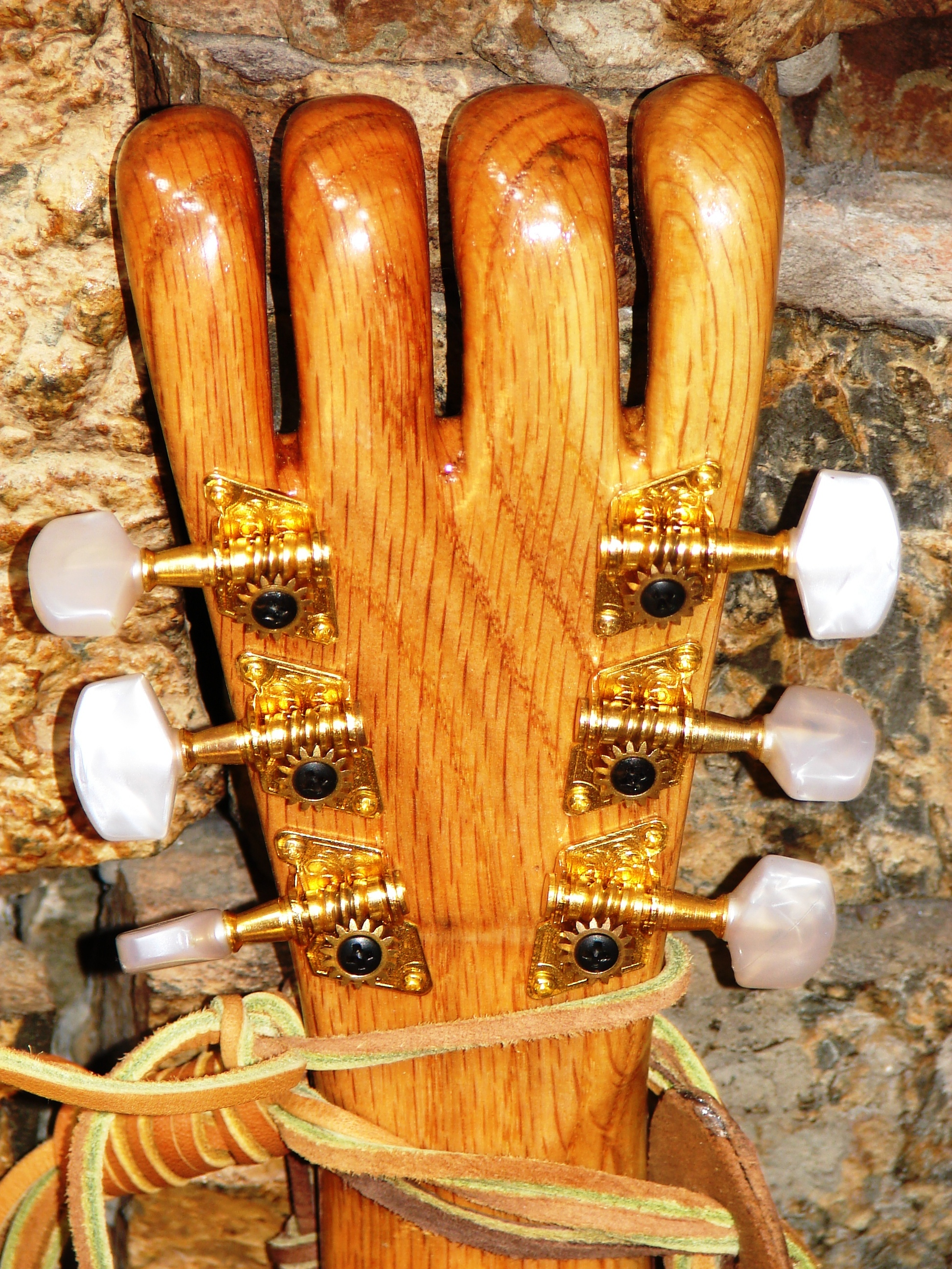Head stock (back)