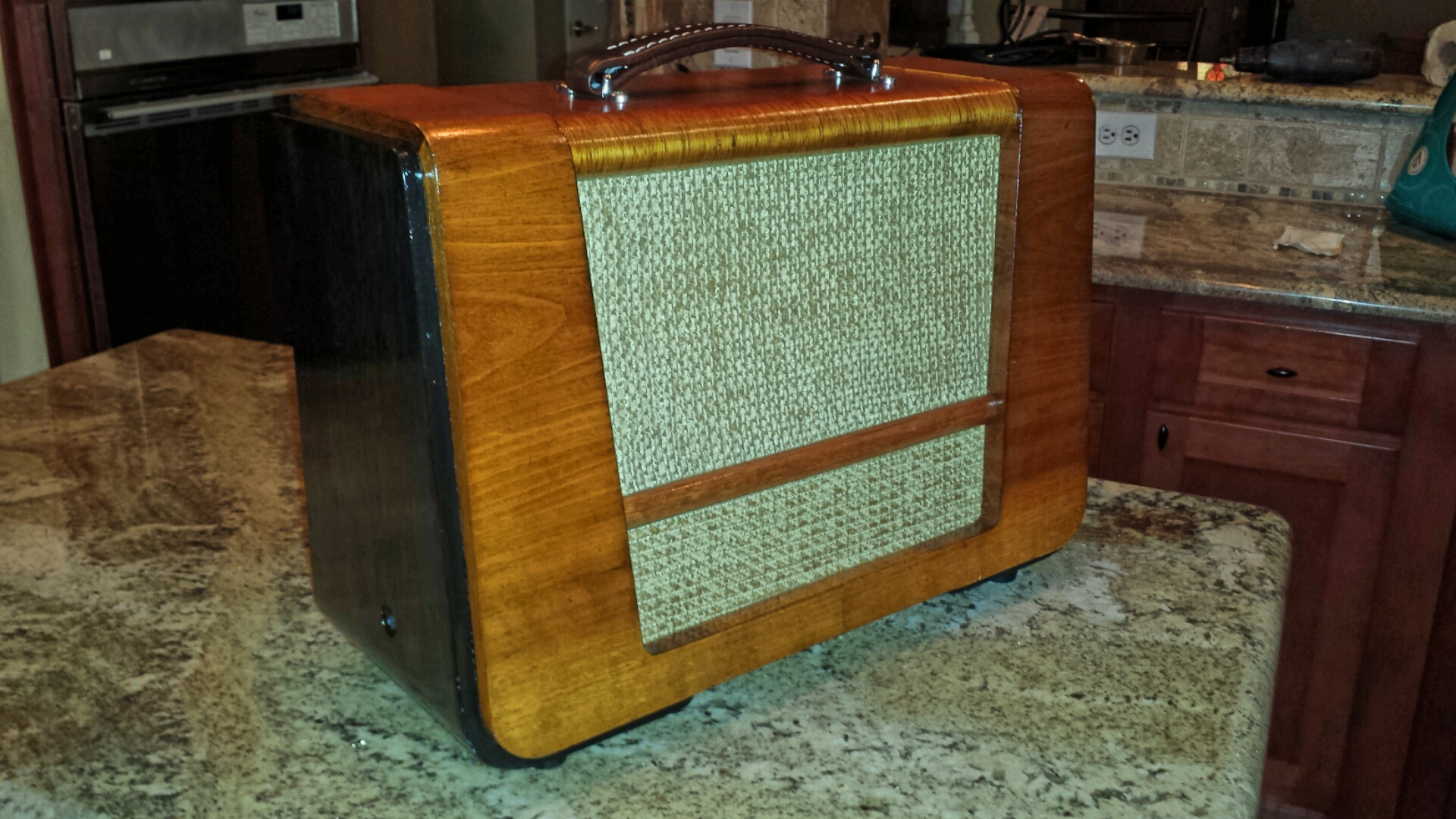 Old radio amp 2