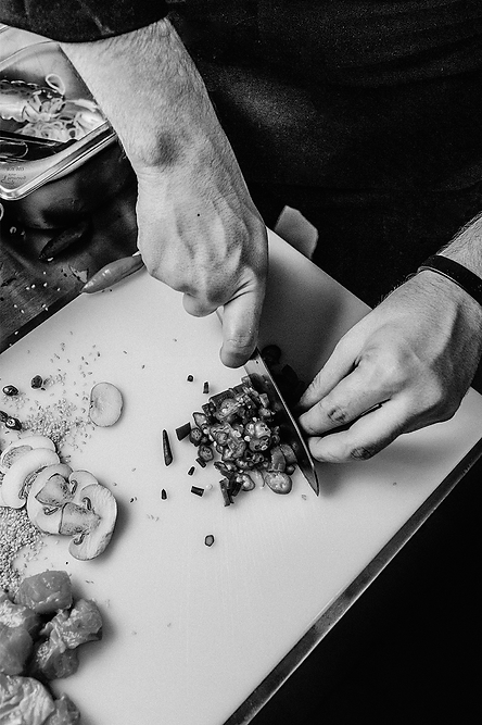 info-chef-2-bandw.png
