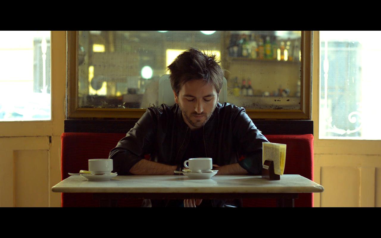 """Jose Ruiz en su videoclip """"Contigo"""""""