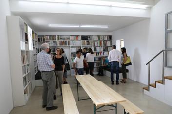 Gäste in der Zeitschriftenbibliothek